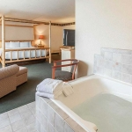 Suite room with hot tub
